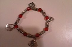 hearts braclet in Fort Campbell, Kentucky