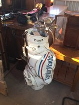 Golf bags sets in Yucca Valley, California