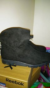BRAND NEW WOMANS SHOES! in Fort Campbell, Kentucky
