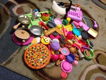 Play food and dishes in Camp Lejeune, North Carolina