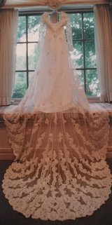 Brides by Demetrios Wedding Gown (100% preserved) Never opened, gently used (INCLUDES Long veil,... in San Diego, California