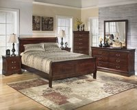 New king size 4 piece Cherry sleigh bed set in Camp Lejeune, North Carolina