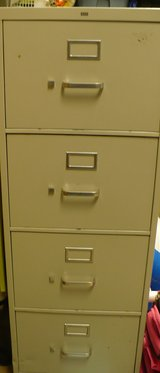 Legal Size 4 drawer filing cabinet in Glendale Heights, Illinois