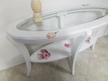 Shabby chic console table in Great Lakes, Illinois