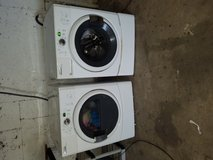 Maytag washer and dryer (electric) in Conroe, Texas