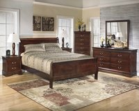 New 5 piece queen cherry sleigh bed set in Wilmington, North Carolina