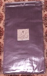 MAUVE WIDE TABLE RUNNER - NIP in Lakenheath, UK