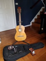 Hohner HC02 student guitar with stand, case and tuner in Glendale Heights, Illinois