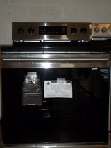 SAMSUNG GLASS TOP ELECTRIC RANGE; STAINLESS STEEL in Fort Bragg, North Carolina