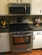 Frigdaire microwave & gas range in Bolingbrook, Illinois
