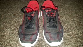 Boys Size 5y Nikes in Alamogordo, New Mexico