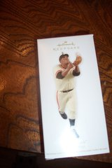 """The Catch"" Willie Mays Ornament in Conroe, Texas"