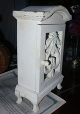 WHITE JEWELRY CABINET STAND in Cherry Point, North Carolina