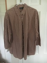 Women's size 20 Button down plaid shirt in Wheaton, Illinois