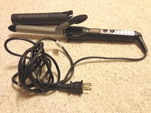Infiniti Conair Curling Iron in St. Charles, Illinois