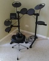 Yamaha DTX400K Electric Drum Set in Glendale Heights, Illinois