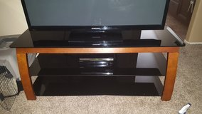 "55"" tv stand in Hemet, California"