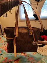 Large Michael Kors purse. Must pick up in Rolla in Fort Leonard Wood, Missouri