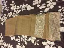 17 burlap runners with lace in Naperville, Illinois