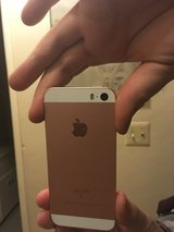 16 gig rose gold iPhone se sale or trade in 29 Palms, California