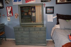 Ethan Allen 6 piece bedroom set in Glendale Heights, Illinois
