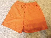 Fall Creek Orange shorts w/stretch waistband - L in Naperville, Illinois