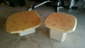 Living room table & end table in Springfield, Missouri