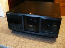 SONY CDP-CX225 200-Disc CD Player Changer in Glendale Heights, Illinois
