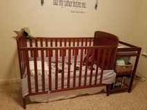 Crib with changing table combo in Bolling AFB, DC