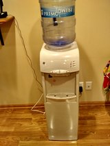 GE Water Cooler Dispenser Hot/Cold $50 Like New in Elgin, Illinois
