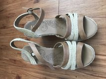 Sandals/ wedges 9.5 in Okinawa, Japan