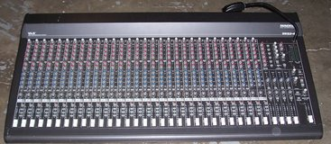 Mackie 32 channel Mixer in Perry, Georgia