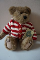 "Boyds Bears & Friends ""Waldo Bearsworth"" in Naperville, Illinois"