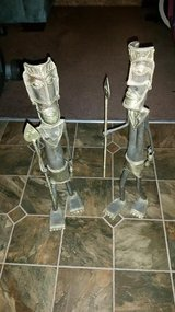 Iron / 2 Piece Africans Floor Statues in Fort Campbell, Kentucky