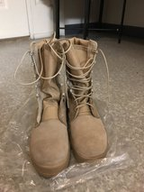New ACU boots size 5R in Fort Irwin, California