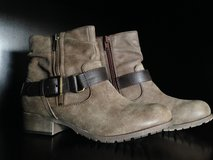 Brown Winter Ankle Boots in Okinawa, Japan