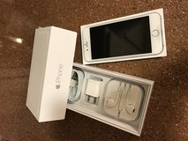 Apple iPhone 6 works with all carriers in Fort Irwin, California