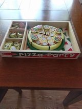 Pizza Play Set (Made in Wood) By Melissa and Doug in Fort Rucker, Alabama