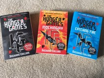 Hunger Games; Mockingjay; Catching Fire - Suzanne Collins in Glendale Heights, Illinois