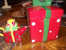 Porceilain Christmas/birthday candy/cookie Boxes in Alamogordo, New Mexico