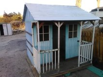 Wooden play house 6ft by 6ft in Yucca Valley, California