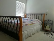 Queen Size Bed in Temecula, California