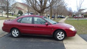 SPORTY 2003 FORD TAURUS in Algonquin, Illinois