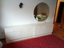 2 dressers (1 is reserved) in Ramstein, Germany