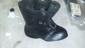 Chemical boots size 14 in Fort Campbell, Kentucky