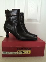 BLACK CALF LEATHER VANELI ANKLE BOOTS 9 1/2N in Elgin, Illinois