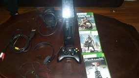 xbox 360 all hookups 1 controller 3 gamed and mic in Beaufort, South Carolina