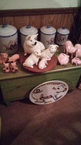 Home Decor pig canister set in Perry, Georgia