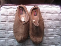 Brown Slippers Size Men's 9/10 in Chicago, Illinois