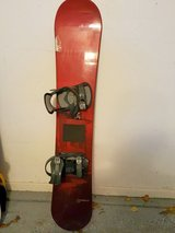 153 cm Liquid RED MOD53 Snowboard with Bindings - $90 in Naperville, Illinois